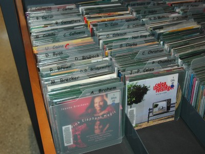 Pochettes-CD-en-présentoir
